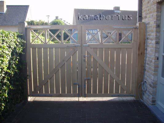 foto's houten poorten cor cross - Kama Borius